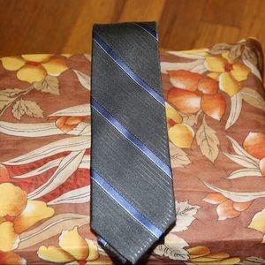 Tie DKNY